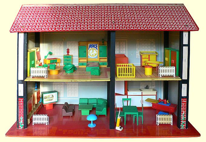 SIO poppenhuis van karton, board en een frame van hout, geu00efnspireerd ...