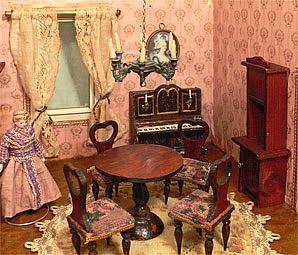 Biedermeier Tafel Met Stoelen.De Poppenhuizen Van Dick En Lia
